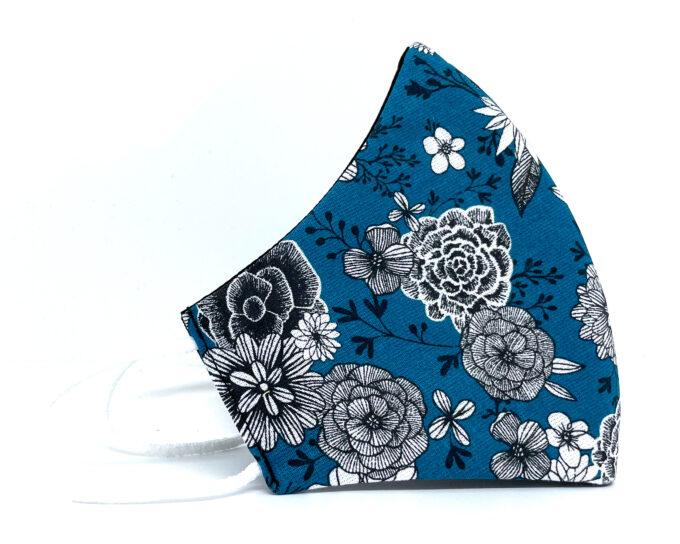 Mascarilla de tela flores azules
